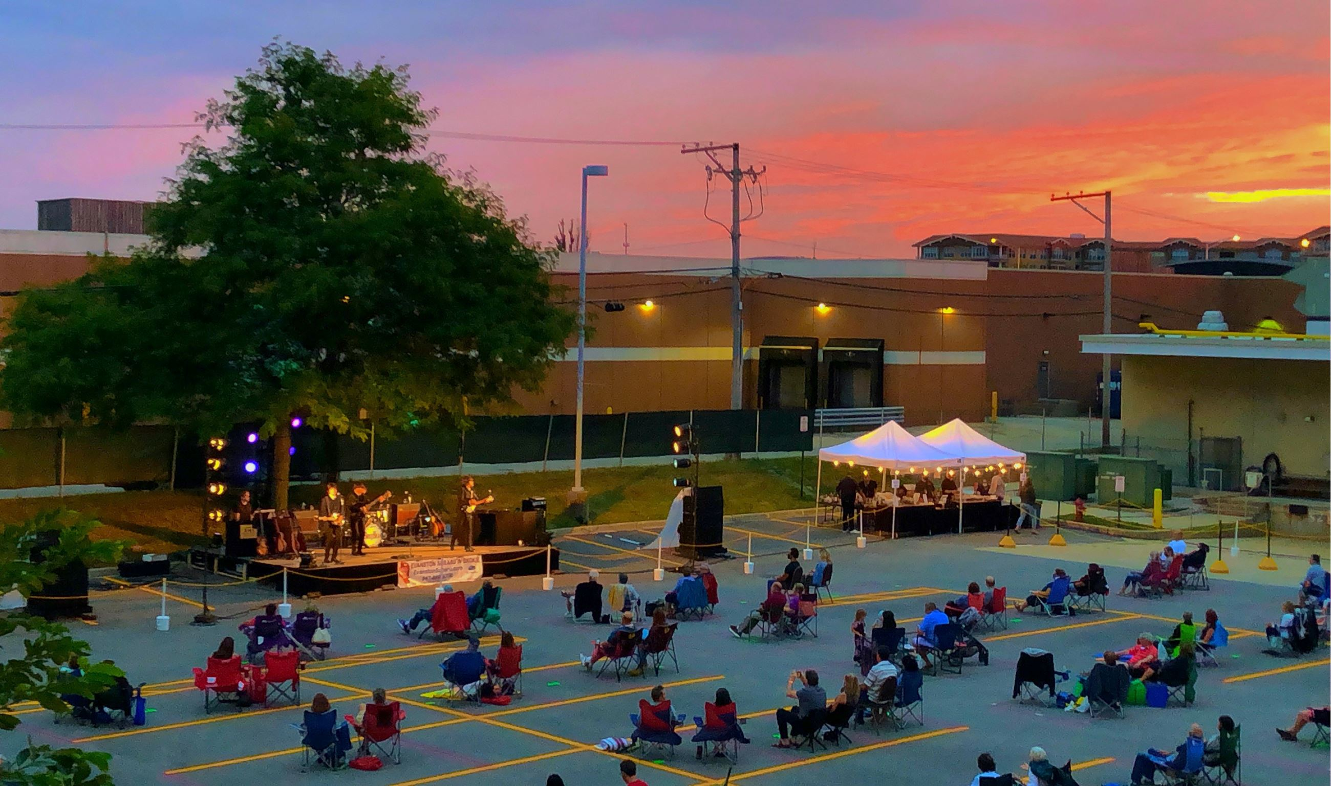 North Shore Center for the Performing Arts in Skokie Out Back Concert (JPG)