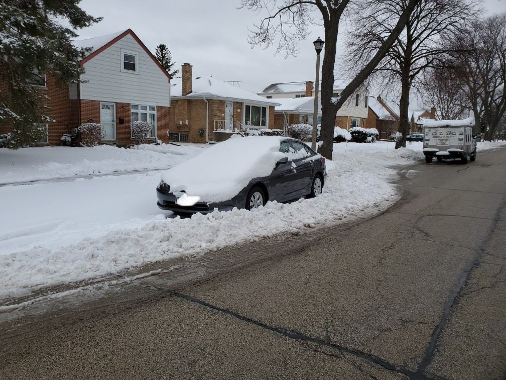 Snow parking violator (JPG)